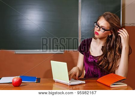 Excellent Student Solves Problems For Your Laptop.