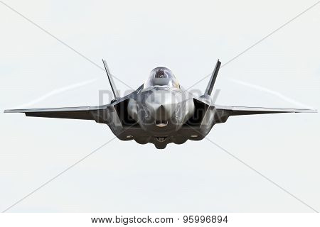 F35 front view close up