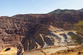 pic of open-pit mine  - Lavender Pit open pit copper mine in Arizona - JPG