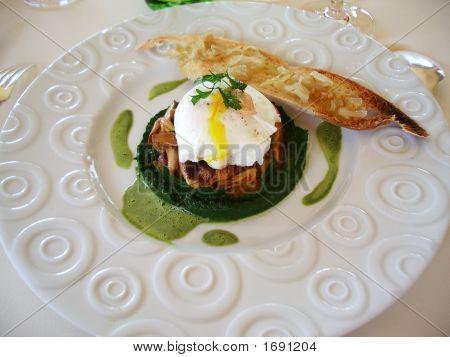 Poached Egg On Chanterelles Pureé De Persil (Sgseguret Imgp1821)