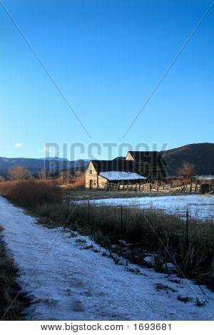 Winter Barn 2