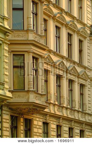 Edifícios de apartamento antigo