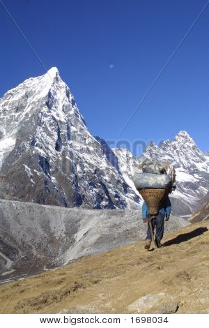 Nepal Sherpa Men Working