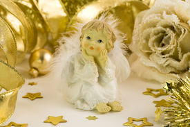pic of christmas angel  - Little angel and Christmas decorations - JPG