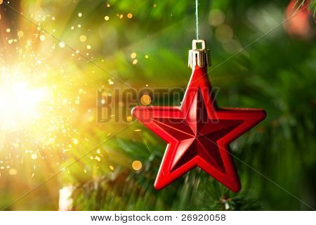 Christmas-tree decoration - red star with glare sparkles