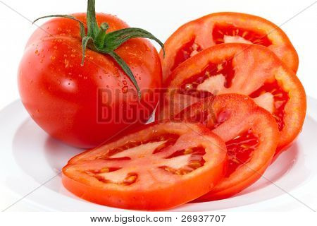 Frische rote Tomaten, isolated on white