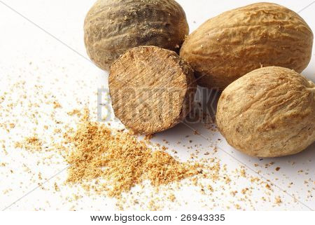 Whole and grated nutmeg