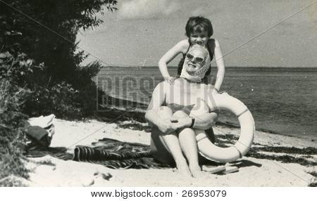 Vintage Foto von Mutter und Tochter (50er)