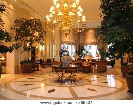Hotel-Lobby-Innenraum
