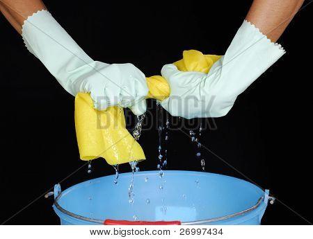 Squeezing sponge, squeezing wet sponge.