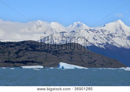 Glacier on Lago Argentino
