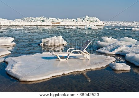 Trestle Bed On A Floe