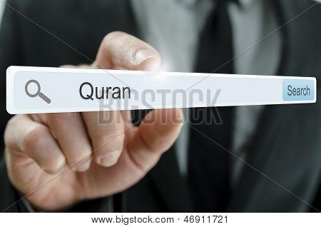 Palavra Alcorão escrito na barra de pesquisa