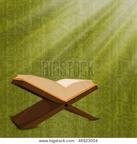 Abra o livro sagrado religioso islâmico Quran Shareef sobre fundo verde.