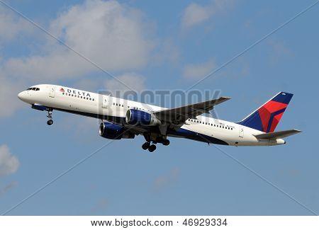 Delta Airlines Boeing 757 Passenger Jet