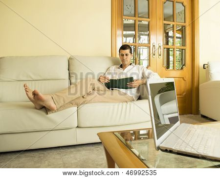 Ignore The Laptop For Reading
