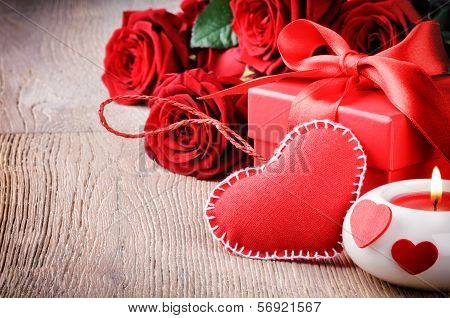Red Roses And Valentin's Gift