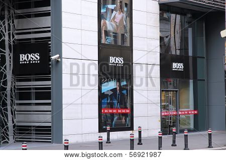 Hugo Boss, Romania