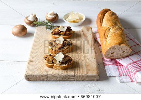 Bruschetta With Mushrooms