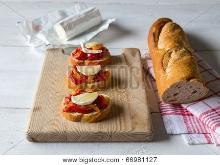 Bruschetta With Peppers And Goat Cheese