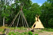 picture of teepee  - This is a display of a teepee at a museum in Texas - JPG