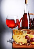 image of brie cheese  - Pink wine - JPG