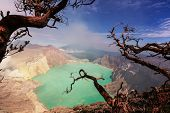 image of plateau  - Lake in a crater Volcano Ijen - JPG