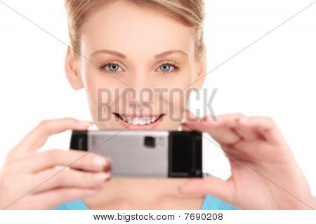 happy Woman mit Handy-Kamera