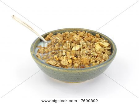 Banana and nut granola cereal