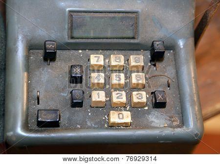 Mechanical Calculator Manual With Worn Keys