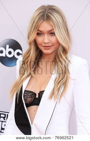 LOS ANGELES - NOV 23:  Gigi Hadid at the 2014 American Music Awards - Arrivals at the Nokia Theater on November 23, 2014 in Los Angeles, CA