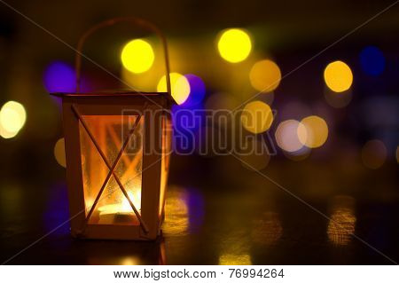 Outdoor lantern with dim light