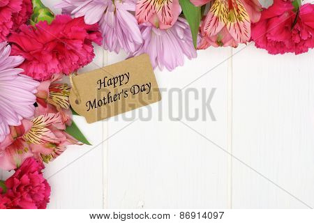 Mother's Day gift tag with flower corner border