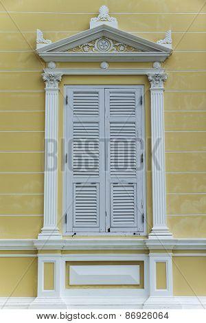 Traditional Luxury Window