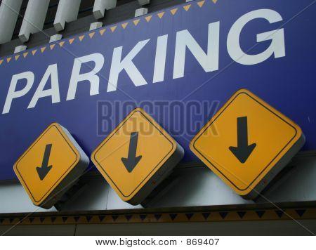 entrada al aparcamiento
