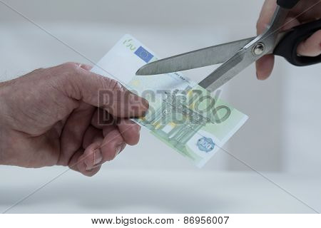 Cutting Banknote