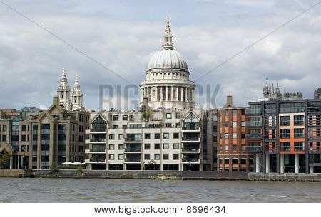 St. Paul's Cathedral from the River Thames