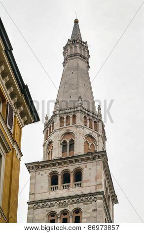 Torre Della Ghirlandina, Modena, Italy