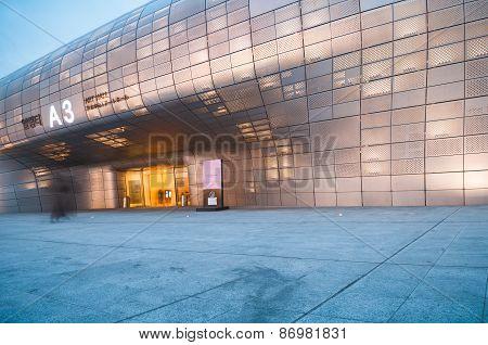 Modern architecture of Dongdaemun Design Plaza at night