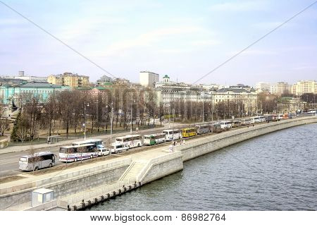 Moscow. Prechistenskaya Embankment