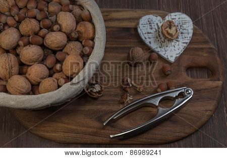 Organic nuts composition.