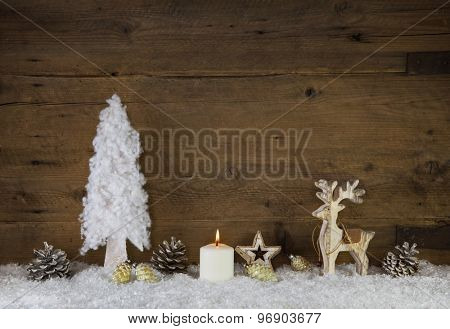 Country style natural christmas decoration with moose in white and brown colors.