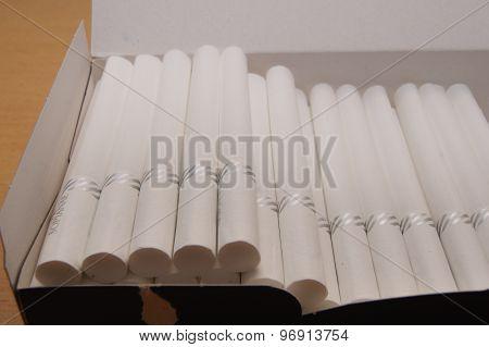 Cores cigarettes.