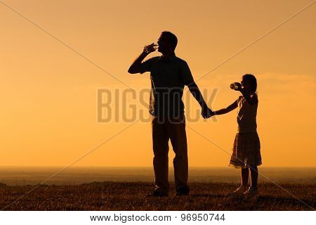 Refreshment for father and daughter