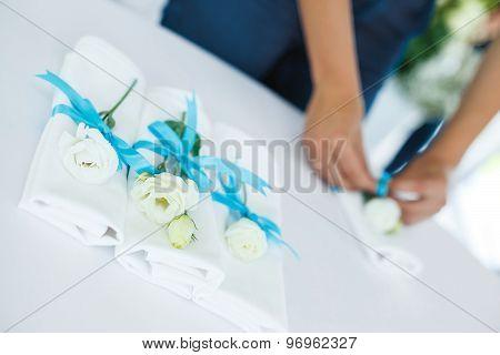 Florist Decorates Napkins