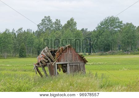 Tumbledown Barn On the farmers Field