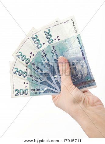 Hand Holading 1000 Litas