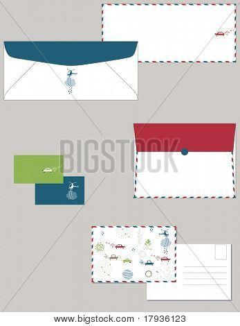 Papelería personal en estándar dimensiones que contiene postal de dos sobres y tarjetas.