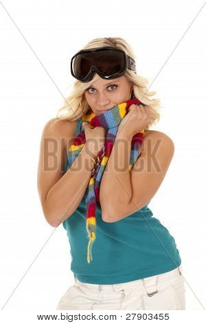 Blue Top Goggles Hold Scarf