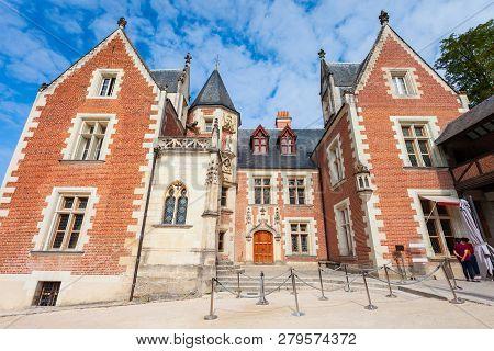 Chateau Du Clos Luce Is
